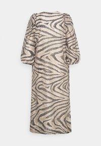 Second Female - DRESS - Denní šaty - humus - 8