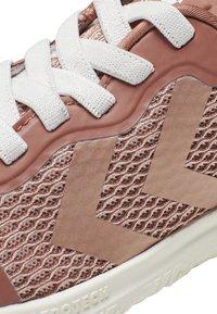 Hummel - ACTUS ML JR - Sports shoes - cedar wood - 5