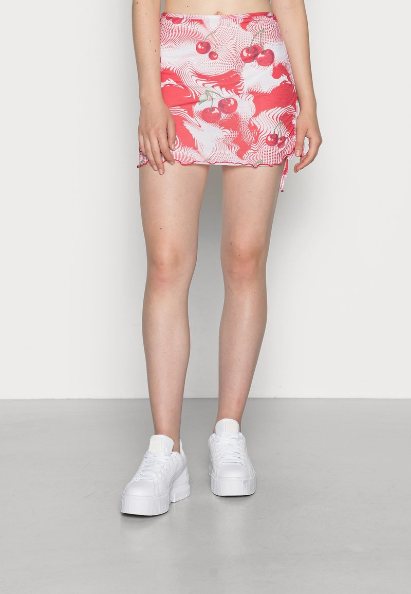Jaded London - DOUBLE LAYER RUCHED SIDE SKIRT CHERRY DOT - Minigonna - red/ white