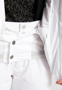 Halti - TIEVA JACKET - Lyžařská bunda - white - 5