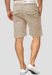 INDICODE JEANS - KELOWNA - Shorts - white pepper - 2