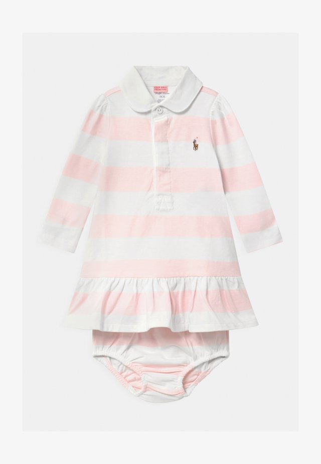 RUGBY SET - Robe en jersey - delicate pink/white