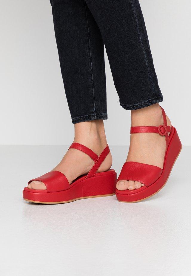 MISIA - Sandály na platformě - medium red