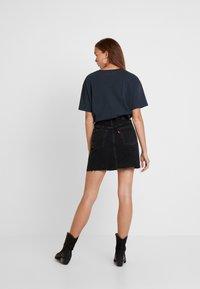 Levi's® - DECON ICONIC SKIRT - A-snit nederdel/ A-formede nederdele - black denim - 2