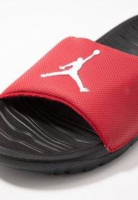 Jordan - BREAK - Sandaler - gym red/black/white - 5