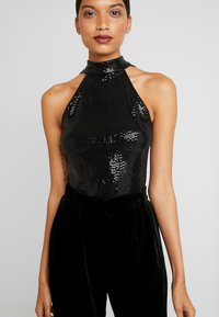 Dorothy Perkins - SEQUIN BOW BACK HALTER - Bluser - black - 3