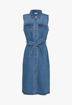 NMMINA BUTTON DRESS - Denim dress - medium blue denim