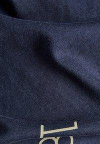 G-Star - GRAPHICS ALLOVER SLIM - Print T-shirt - warm sartho extreme - 5