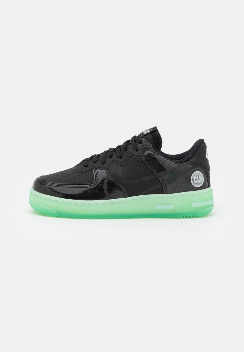 Nike Sportswear - AIR FORCE 1 REACT LV8 AS UNISEX - Matalavartiset tennarit - black/barely green