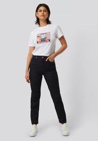 NA-KD - Straight leg jeans - dark blue - 1