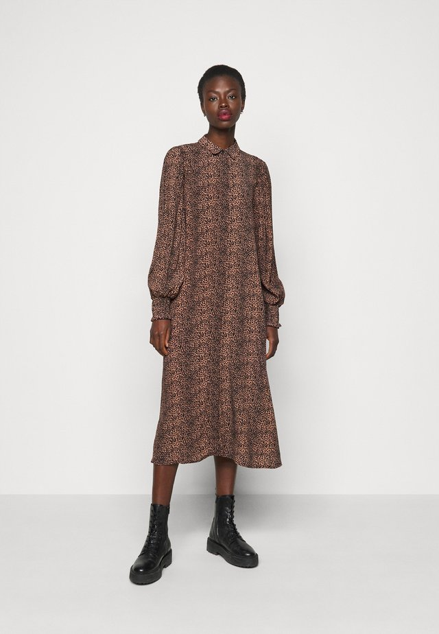 YASLAIVO DRESS - Shirt dress - mocha mousse