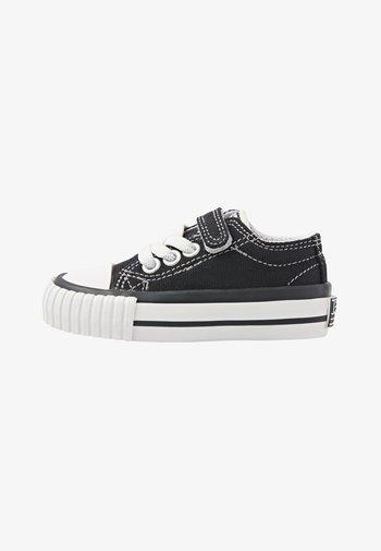 MASTER LO - Zapatillas - black