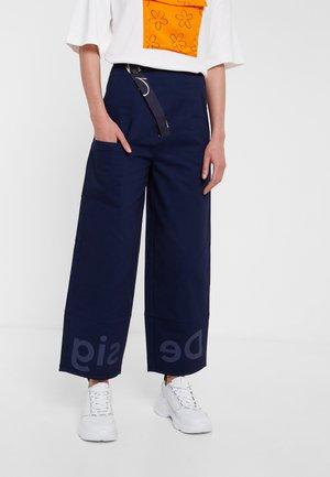 ARIANE - Pantaloni - blue
