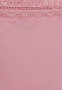 Rosemunde - Print T-shirt - zephyr rose - 2