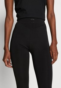 ONLY PLAY Tall - ONPPERFORMANCE TRAINING TIGHTS - Leggings - Trousers - black/red - 5