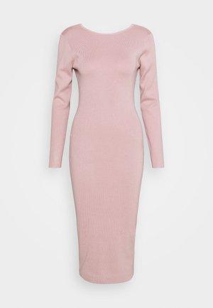 TIE BACK MIDAXI DRESS - Pletené šaty - blush