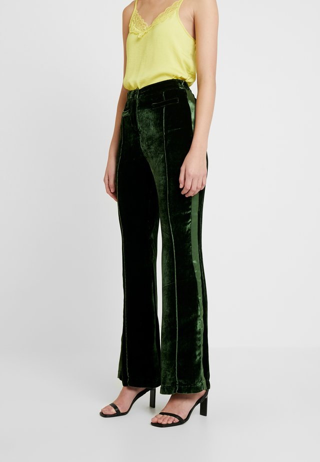 EMILY TROUSERS - Bukse - dark green