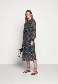 Bruuns Bazaar - HAZE MIRRAH DRESS - Košilové šaty - night sky - 1