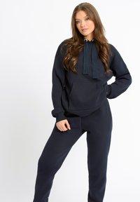 Chelsea Peers - Pyjama top - navy - 0