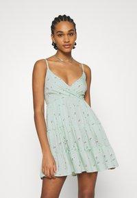 Hollister Co. - BARE FEMME SHORT DRESS - Kjole - mint - 0