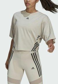 adidas Performance - CROPPED W PRIMEBLUE TRAINING T-SHIRT - Print T-shirt - grey - 2