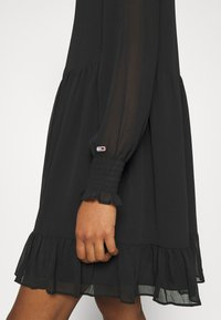 Tommy Jeans - TIERED LINE DRESS - Shirt dress - black - 5