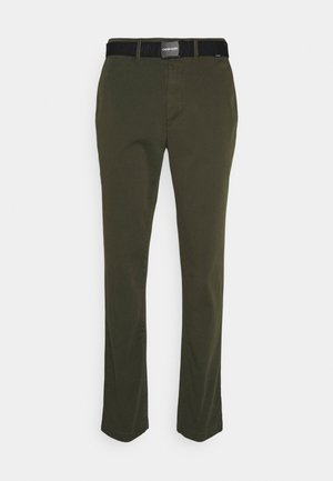 SLIM FIT GARMENT DYE BELT - Pantalones chinos - green