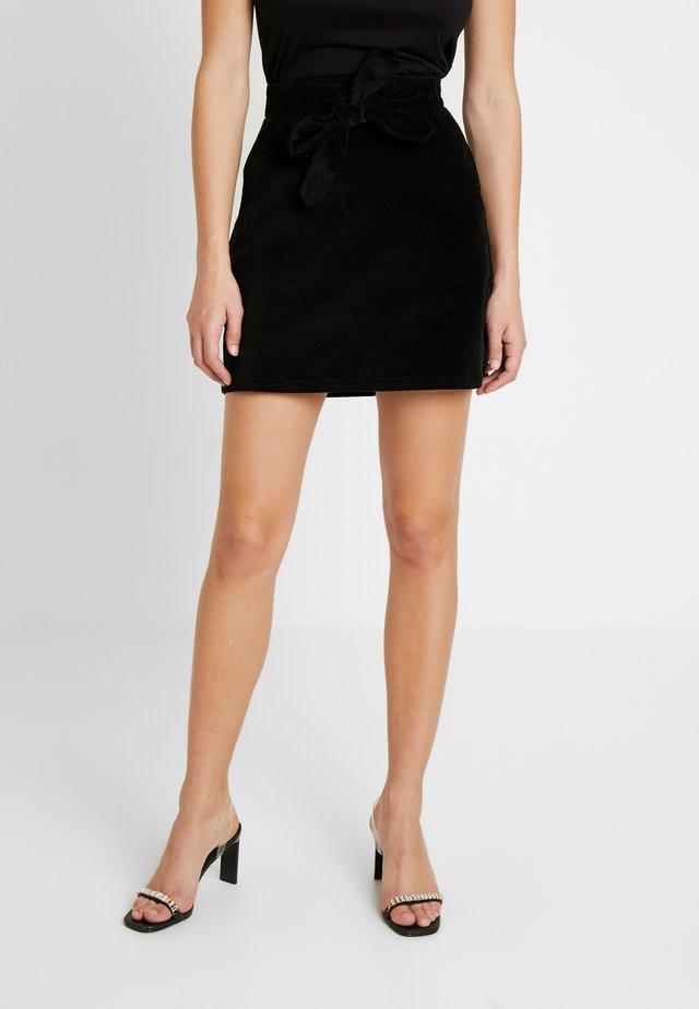 BELTED MINI SKIRT - Mini skirt - black