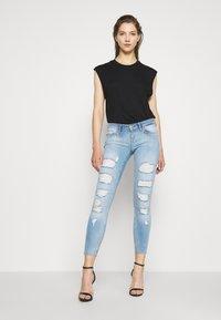 ONLY - ONLCORAL DESTROY  - Jeans Skinny Fit - light-blue denim - 1