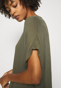 Kaffe - AMBER STANLEY - Blouse - grape leaf - 4
