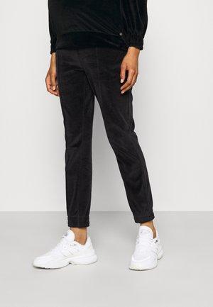 PANTS RELAX - Verryttelyhousut - black