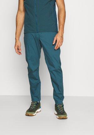 KONSEAL PANT MENS - Pantaloni - petrol