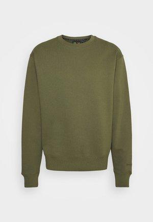 BASICS CREWNECK UNISEX - Sweatshirt - olive cargo
