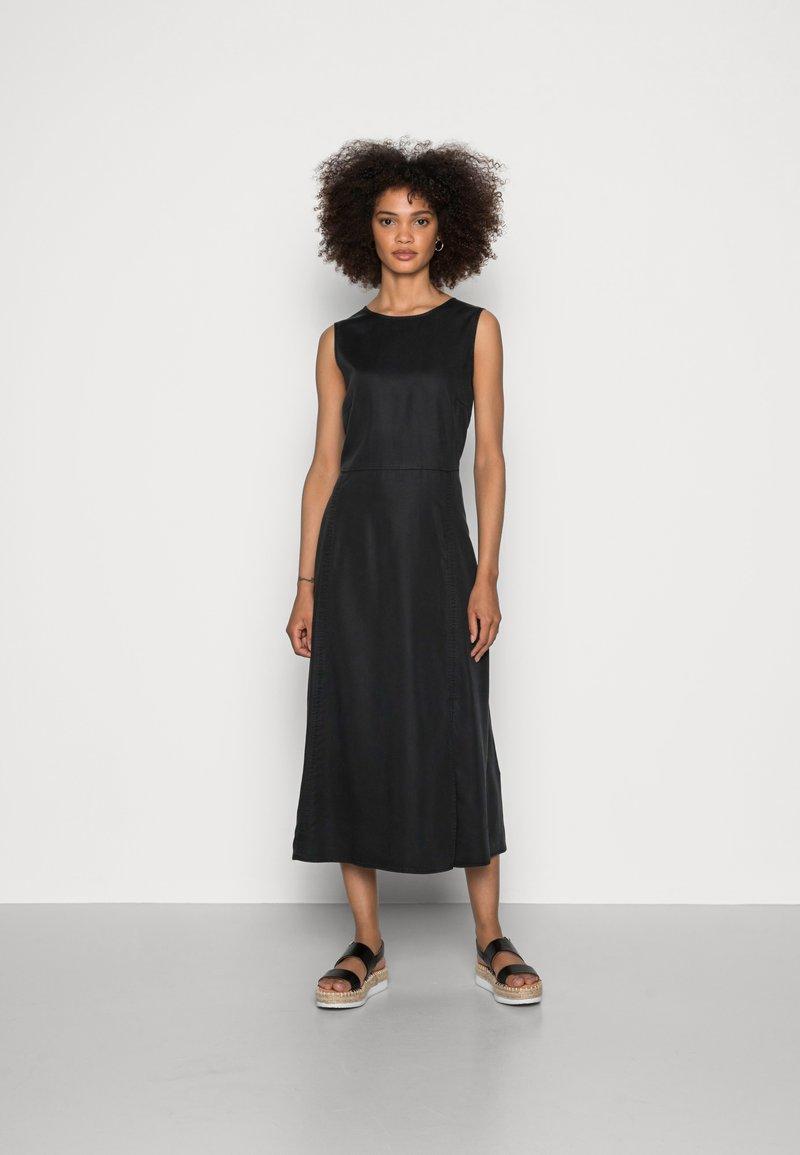 Marc O'Polo - DRESS FEMININE SILHOUETTE CUTLINES SLITS MIDI LENGTH - Day dress - dusty black
