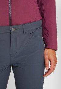Patagonia - SKYLINE TRAVELER PANTS - Pantalon classique - smolder blue - 3