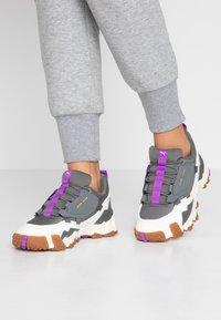 Puma - TRAILFOX MTS-WATER - Sneakers - castlerock/whisper white - 0