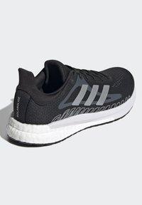 adidas Performance - TERREX AX3 GORE-TEX MID - Chaussures de running neutres - black - 3