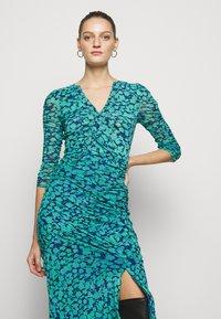 Diane von Furstenberg - BRIELLA - Shift dress - blossom breeze multi ionian - 4