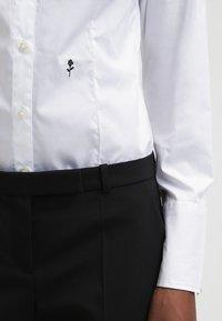 Seidensticker - Komfortable Slim - Button-down blouse - white - 5