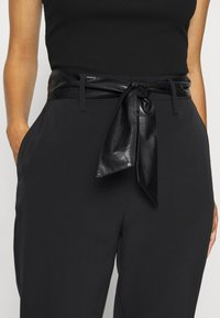 Guess - HOPE HIGH  - Chinos - jet black - 4