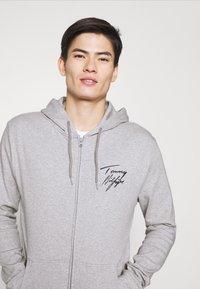 Tommy Hilfiger - HOODIE - Pyjama top - grey - 3