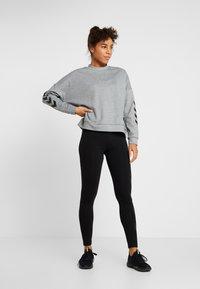 Hummel - HMLESSI  - Sweater - grey melange - 1
