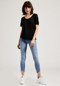 Phyne - T-shirt basique - black - 1
