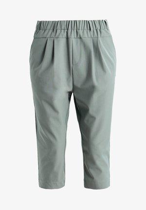 JILLIAN CAPRI PANTS - Shorts - dusty jade