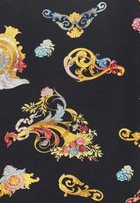 Versace Jeans Couture - LADY DRESS - Vestito di maglina - black - 6