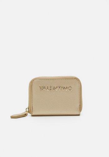 DIVINA - Wallet - oro