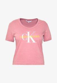 Calvin Klein Jeans Plus - VEGETABLE DYE MONOGRAMTEE - Print T-shirt - brandied apricot - 3