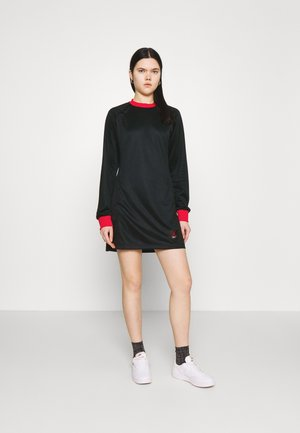 DRESS - Korte jurk - black/university red