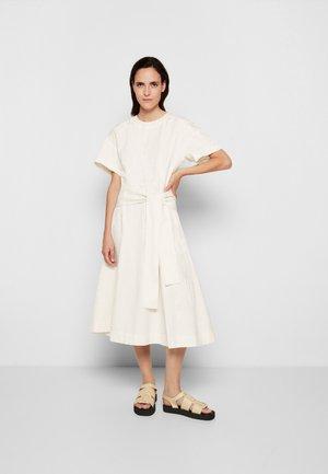 WRAPPED WAIST TIE DAY TSHIRT DRESS - Denní šaty - offwhite