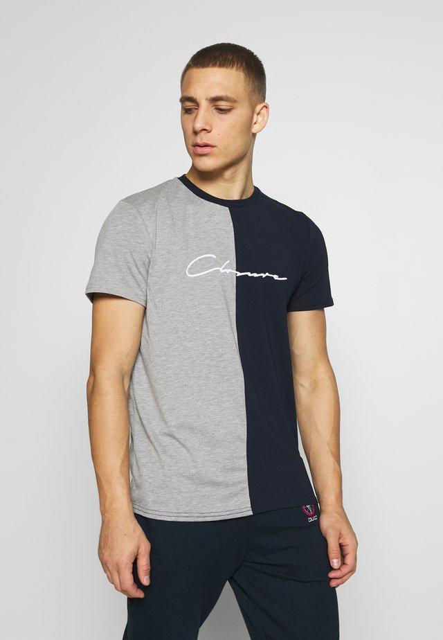 HALF N HALF TEE - T-shirt print - grey